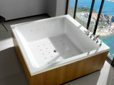 Soleil Square Bathtubs