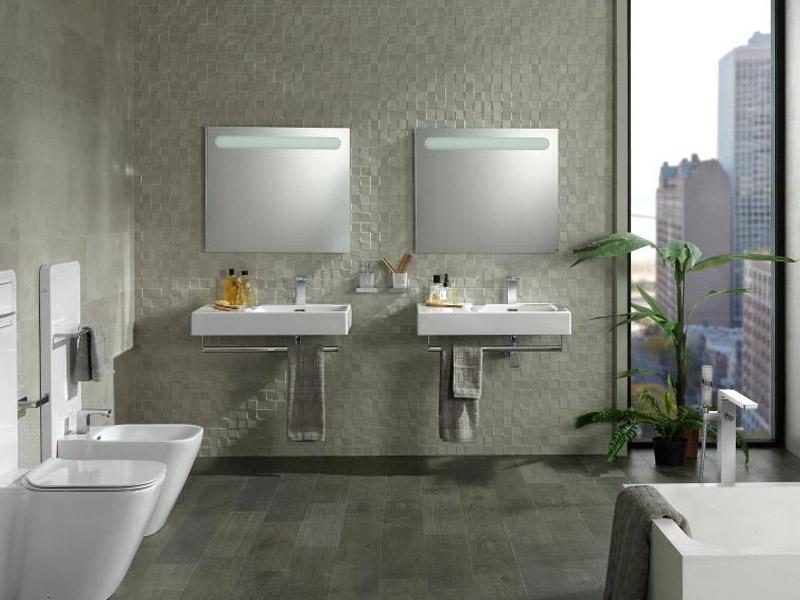 Zrcadlo do koupelny Hotels